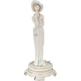Статуэтка дама в шляпе высота=32 см.