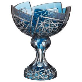 Ваза диаметр=27 см. высота=32 см. ручная гравировка-196-017