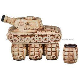 Водочно-коньячный набор танк штоф+6 рюмок 1000/150 мл. без упаковки