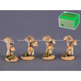 Комплект фигурок из 4 шт.грибы высота=5 см